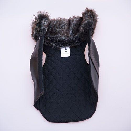 abrigo negro acolchado para perro